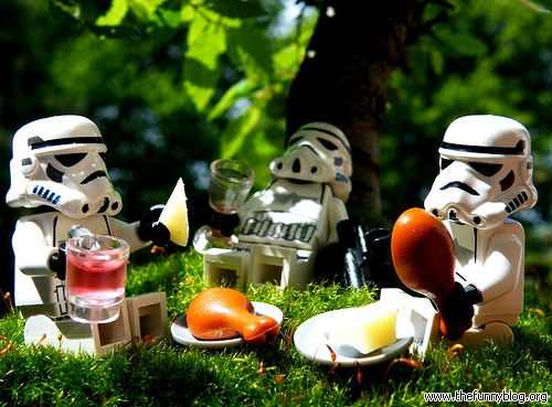 lego-starwars-stormtroopers-on-holiday